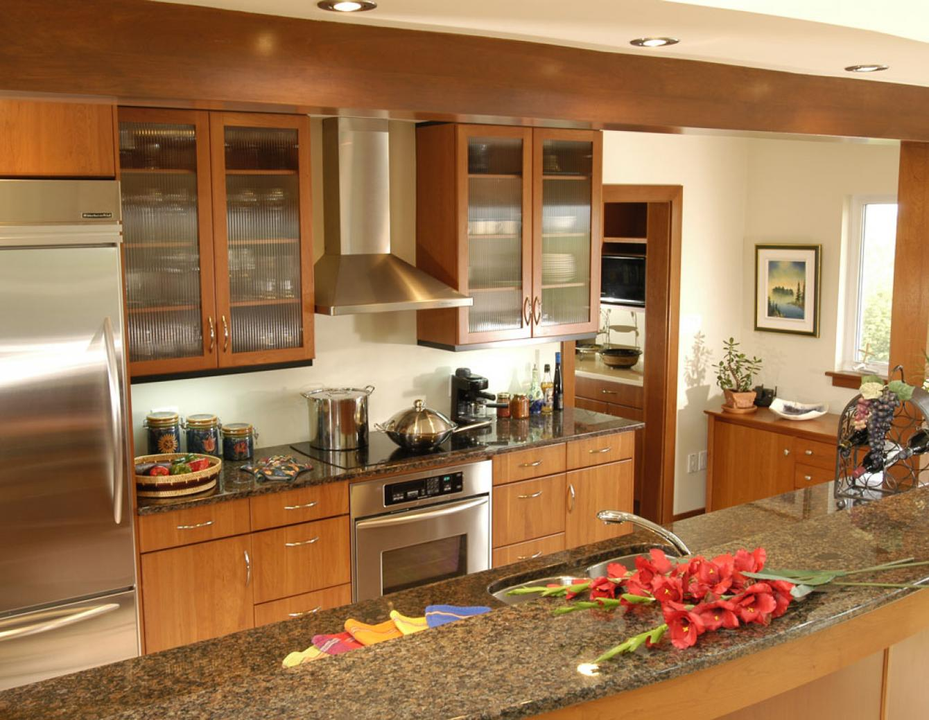 Kitchen design gallery triangle kitchen for Perfect kitchen triangle